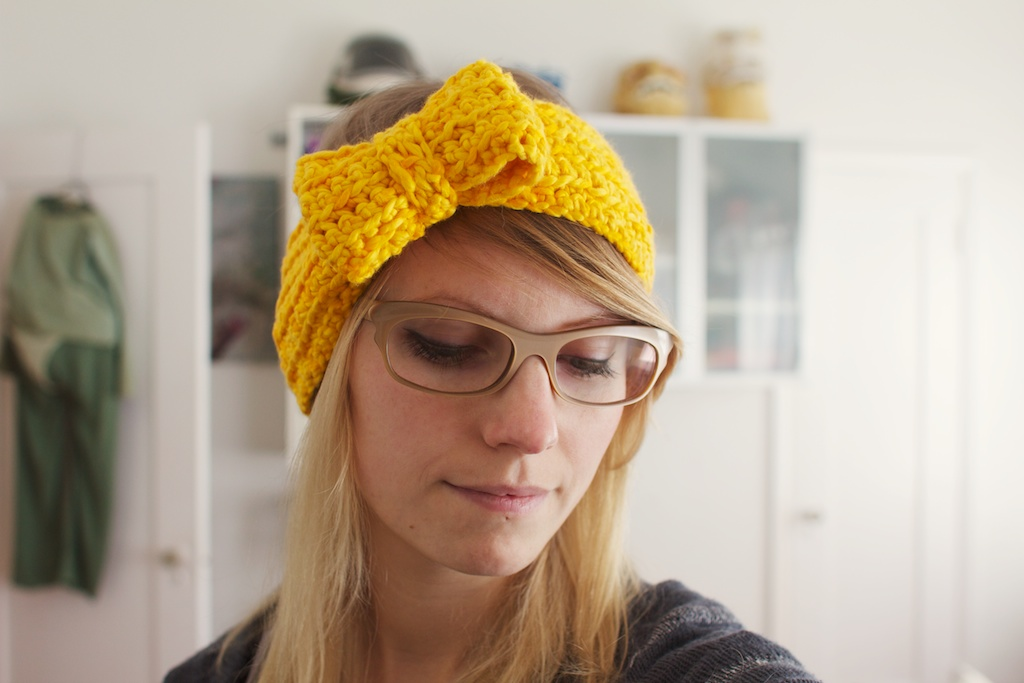 Crocheted Bow Headband Cute Delicious